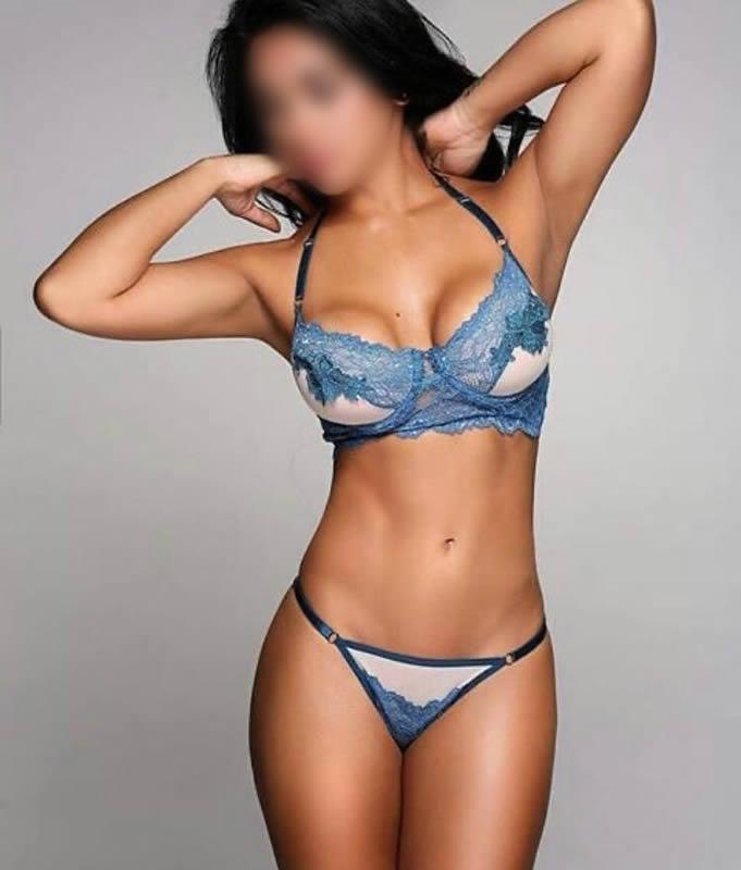 Camila Latina Cardiff escort